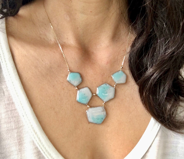 Geometría Bib Necklace Ombré