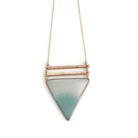 Geometría Ombré Triangle Pendant Necklace