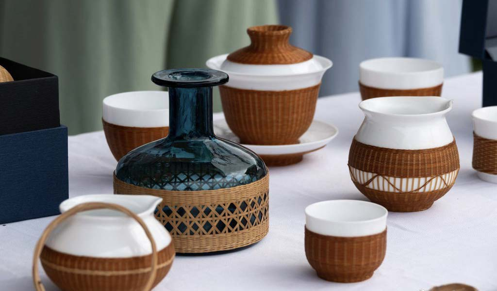 7 Things You Should Know About Bamboo Over Porcelain