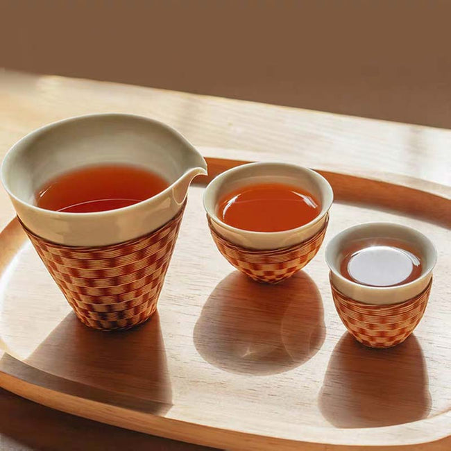 Bamboo_over_Porcelain_One_Pot_with_Two_Cups_01