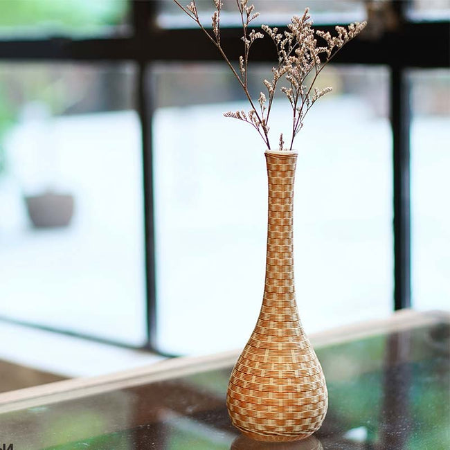 Ceramic_Flower_Arrangement_with_Bamboo_Wires_01