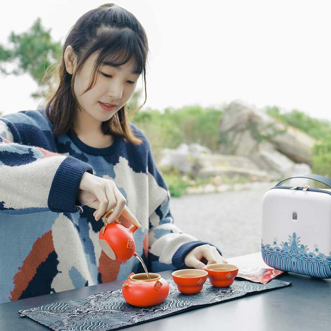Chinese_Travel_Tea_Set_with_Gourd_Shaped_01