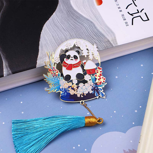 The_Panda_and_Deer_Christmas_Bookmarks_Panda_02