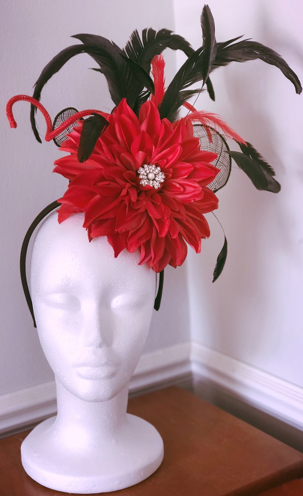 Black and Red Jewel Fascinator Derby Hat