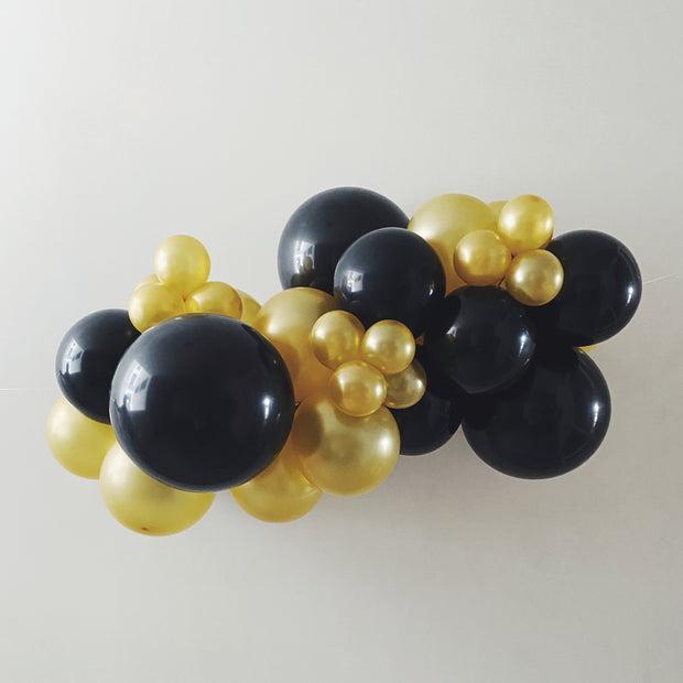 MINI ORGANIC BALLOON GARLAND - BLACK + GOLD