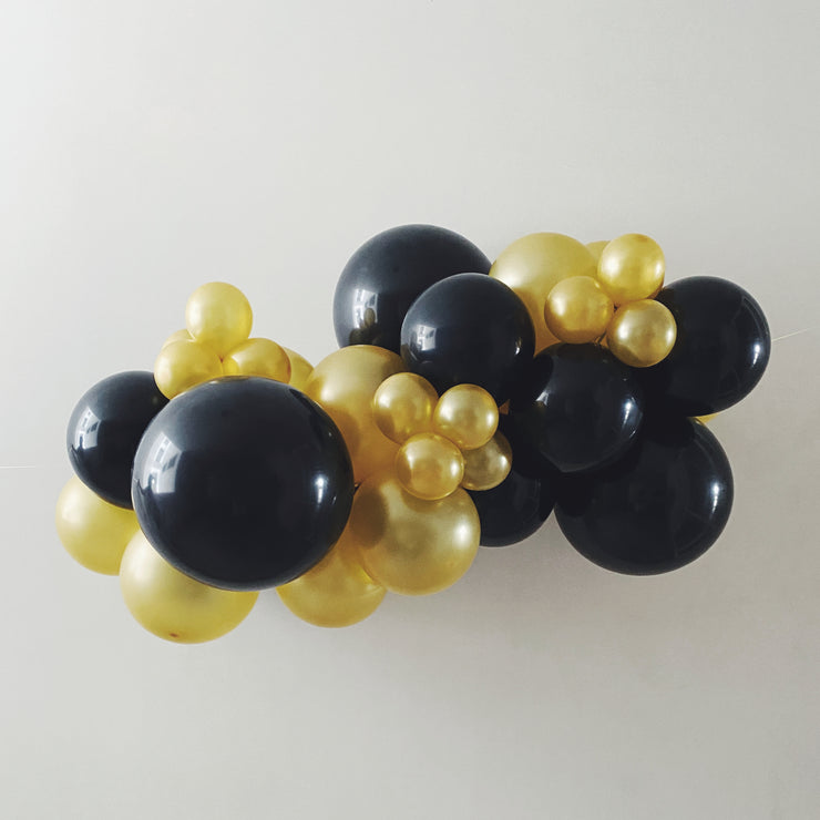 Mini Balloon Garland - Black + Gold - WhichKraft Projekt
