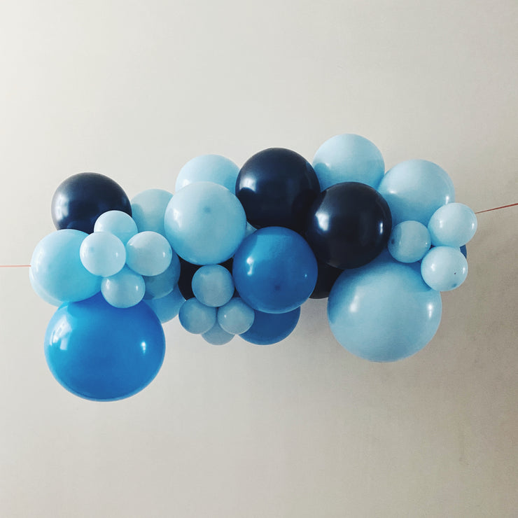 MINI ORGANIC BALLOON GARLAND - BLUE
