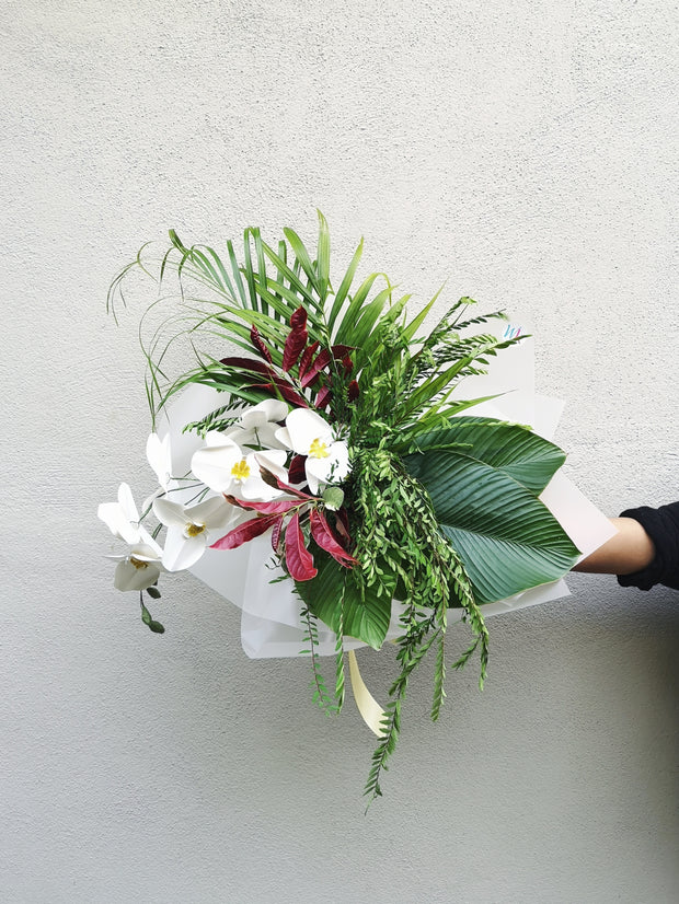 FORAGED & KRAFTED ORCHID BOUQUET - WhichKraft Projekt