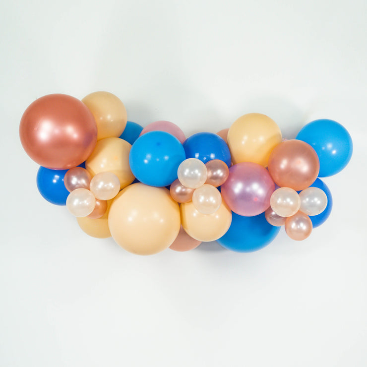 MINI ORGANIC BALLOON GARLAND - BLUE + BLUSH - WhichKraft Projekt