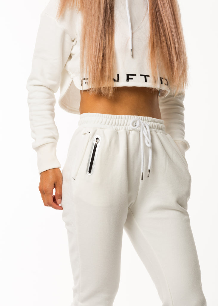 Gym clothes for women, joggers in white colour, matching white hoodie online