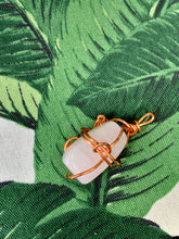 "Load image into Gallery viewer, Rose Quartz Pendant ""Melody"""