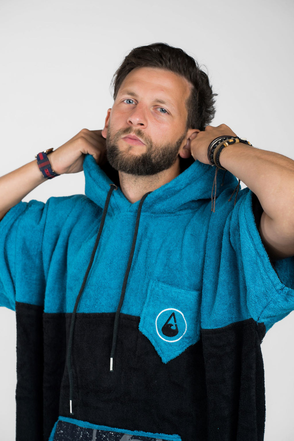 Bamboo and cotton towelling changing robe - Large (Black/turquoise)