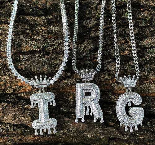 white gold finish CROWN drip bubble letters (will come with 20in rope chain )