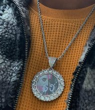 Load image into Gallery viewer, big pointers cluster memory pic pendant with 20 in rope chain