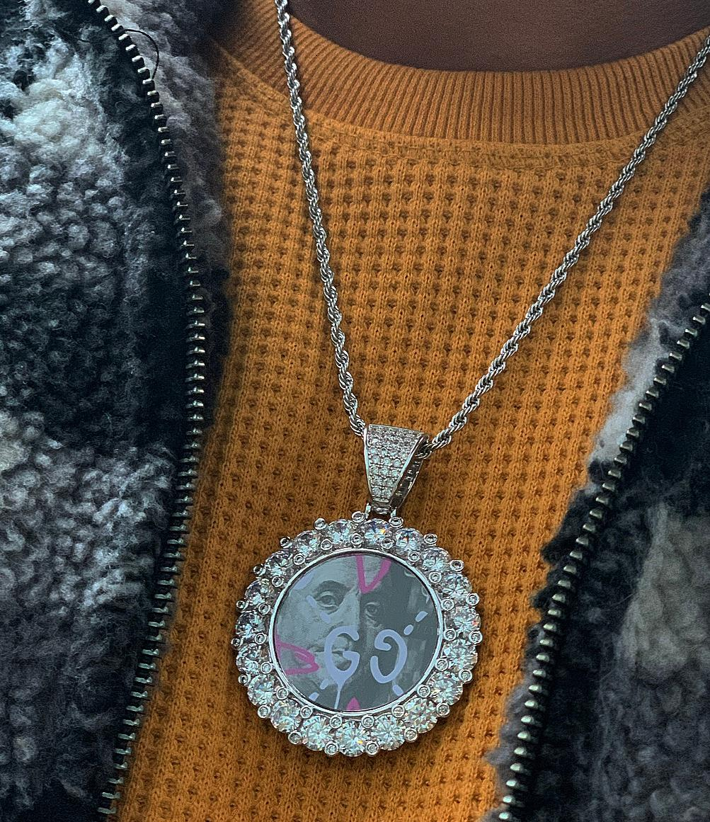 big pointers cluster memory pic pendant with 20 in rope chain