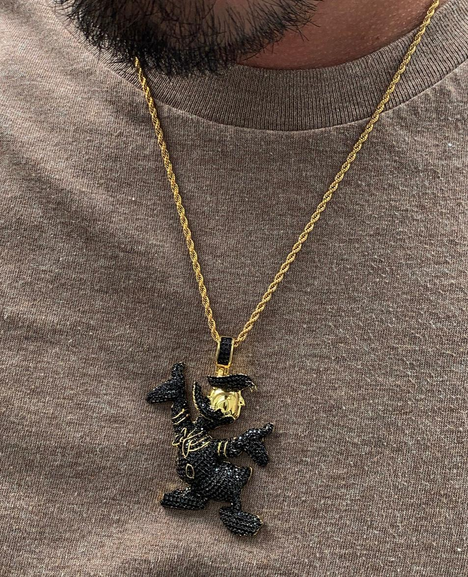 black diamond daffy duck with 20 in rope chain