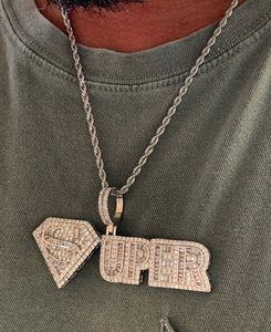 Super pendant with rope chain