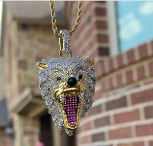 Diamond wolf with rope chain