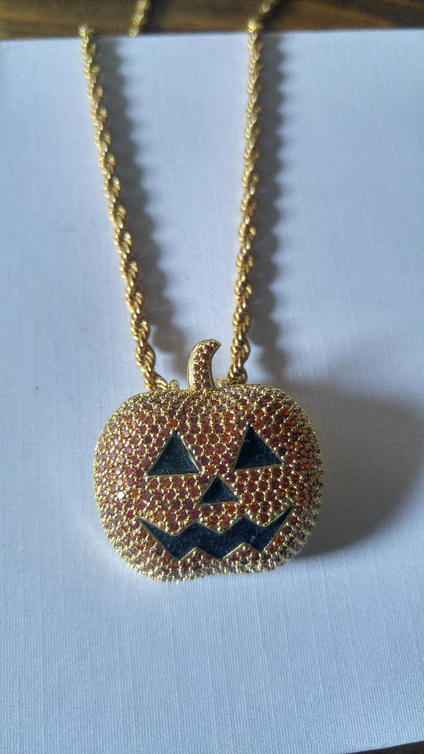 pumpkin with 20 in rope