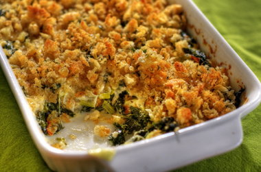 Creamy Leek and Kale Gratin with Crunchy Brown Butter Breadcrumbs recipe with thyme, nutmeg, parmesan... 6 Easy, Spa-Inspired Recipes for a Relaxing Thanksgiving Feast from The Bathroom Bliss Blog by Rotator Rod