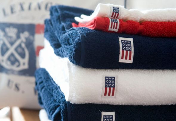 patriotic red, white, and blue bath towels... American Inspired Red, White & Blue Bathrooms from Bathroom Bliss by Rotator Rod