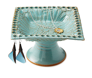 funky turquoise jewelry pedestal perfect for the bathroom vanity... Trending in Bathroom Decor: Stylish Jewelry Stands from Bathroom Bliss by Rotator Rod