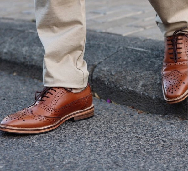 Men's leather brogue shoe. Smart men's brogue shoe