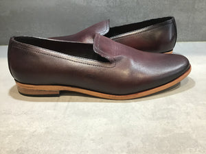 PLAYA LEATHER LOAFER IN CUSTOM ANTIQUED BORDO SIZE 11