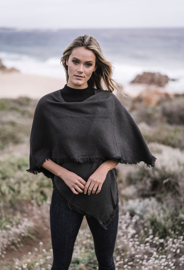 FRINGED CAPE 2