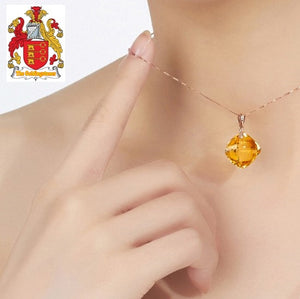 Cushion 7.5ct Flawless Citrine Or Amehyst Gem 14K Yellow Gold Pendant