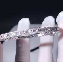 Load image into Gallery viewer, Diamond  10K White Gold Bracelet
