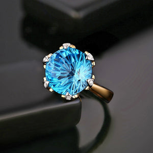 14kt Yellow White Gold 9.68ct Blue Topaz H SI Diamond Ring