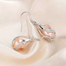 Load image into Gallery viewer, Natural Freshwater Pearl Drop Silver Earrings