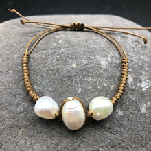 Load image into Gallery viewer, Natural freshwater pearl bracelet