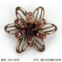Load image into Gallery viewer, Vintage Gold Color Rhinestones Flower Brooch