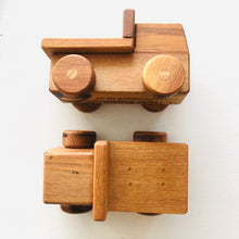 Load image into Gallery viewer, Small Wooden Truck