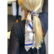 Load image into Gallery viewer, Scrunchie Scarf