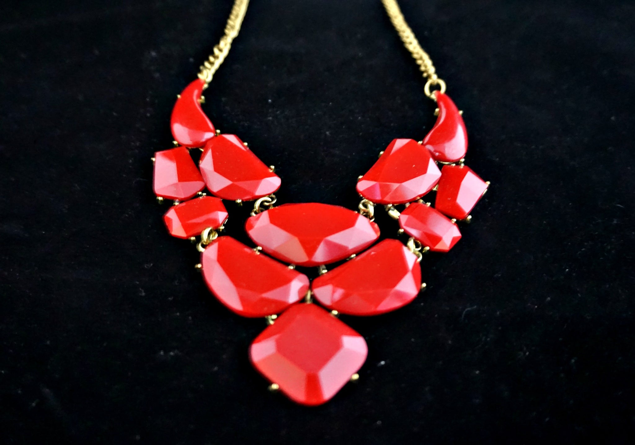 Necklace Red Detail