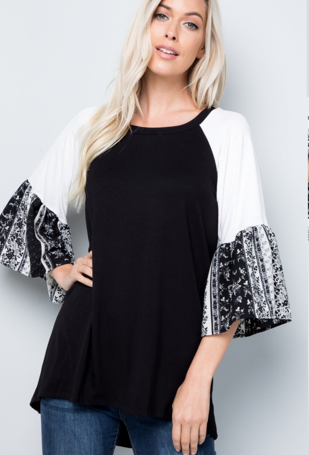 BLACK / IVORY PAISLEY BELL TOP