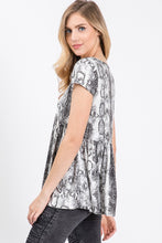 GREY / BLACK SNAKESKIN PRINT TOP