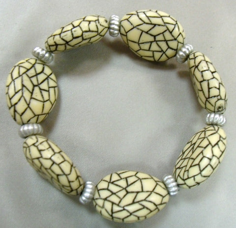 Crackle Cream Bracelet