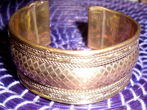 AFRICAN BRASS BANGLE
