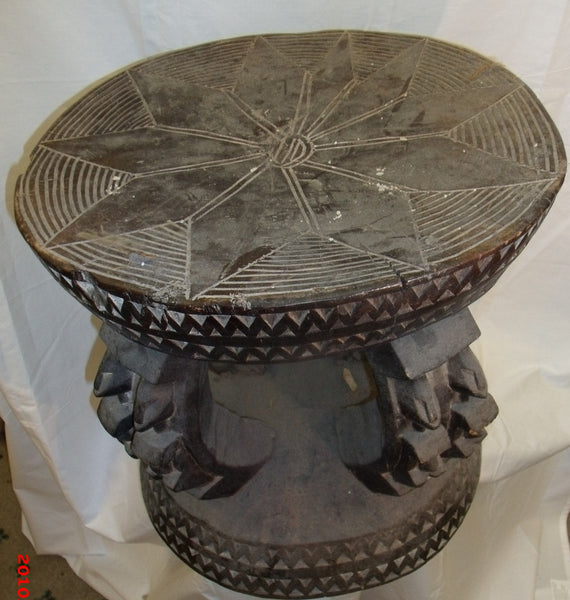 Dogon Round Table