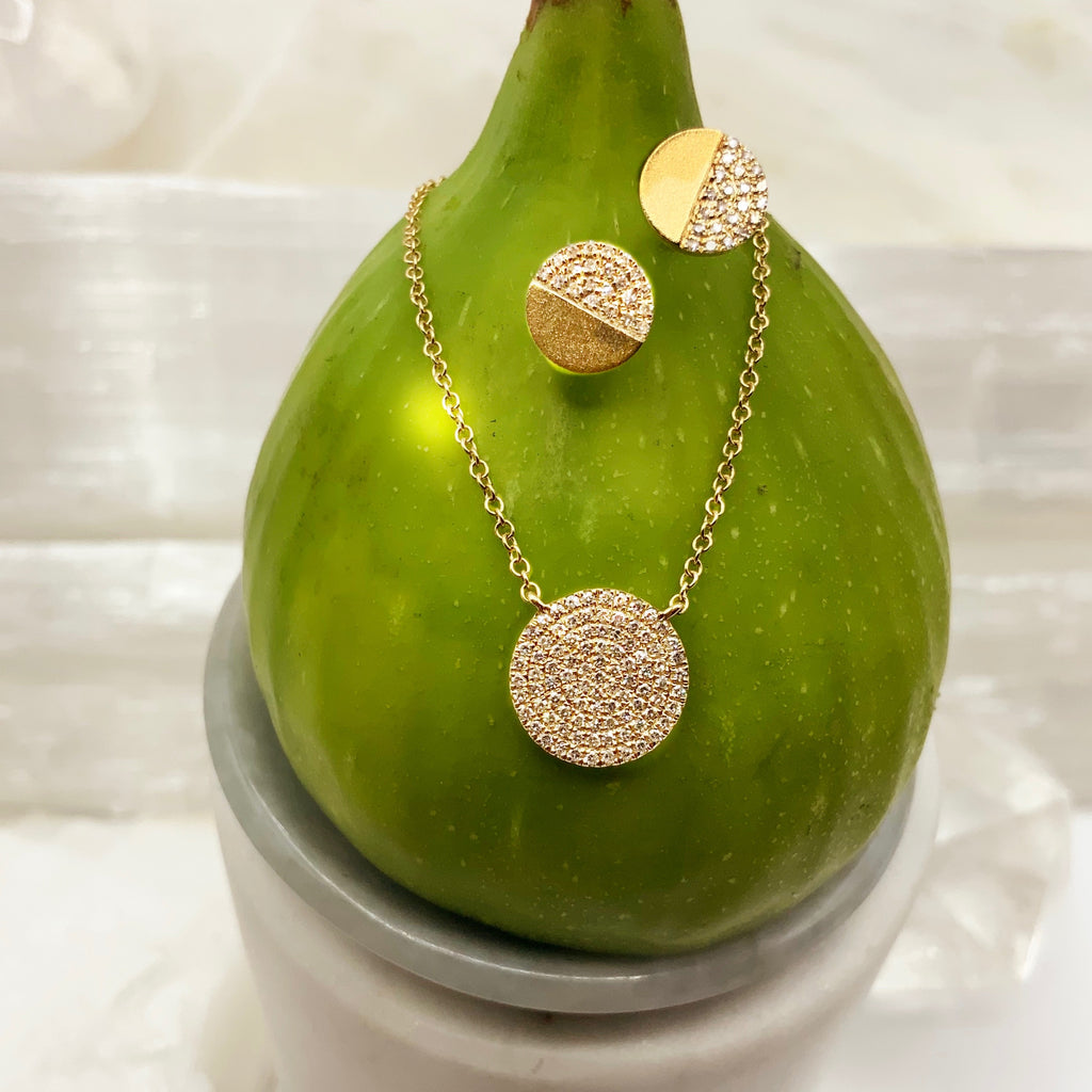 14 Karat yellow Gold Diamond Pave' Cluster Disc Pendant Necklace 0.20 Carat Total Weight Necklace