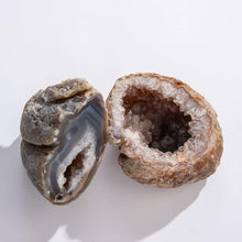 Load image into Gallery viewer, GeoCentral Brazilian Geodes (Large)