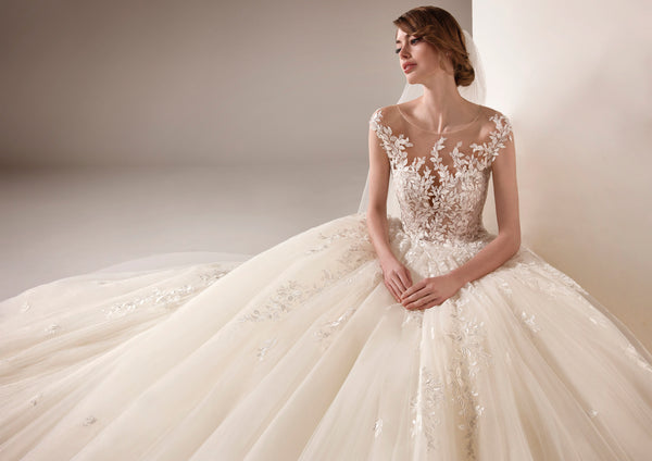 Pronovias Privee Style: Barbara