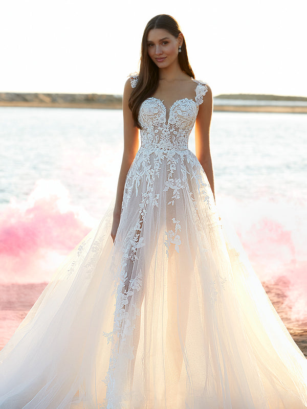Your wedding gown is the most important dress you'll ever wear. Choose the perfect one with this guide to the top 10 wedding dress trends for 2021.