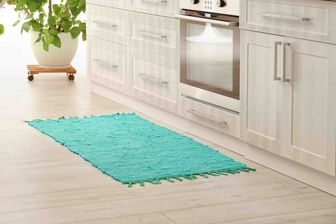 Low pile rug in a kitchen