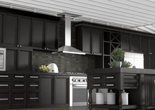 black_kitchen_far_view_crown_04_kl2_4.jpg