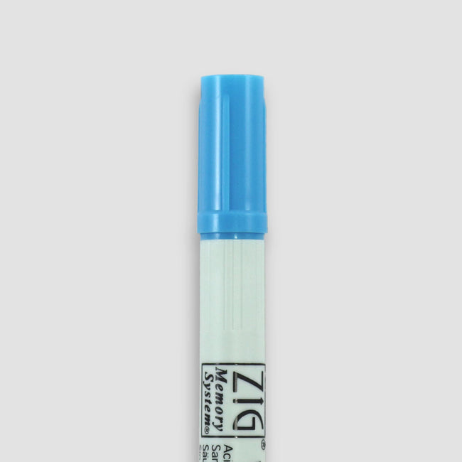 PEN_ZIG_Gallery_7_BAB Baby blue Kuretake Zig Writer Ink double ended pen showing end with lid on
